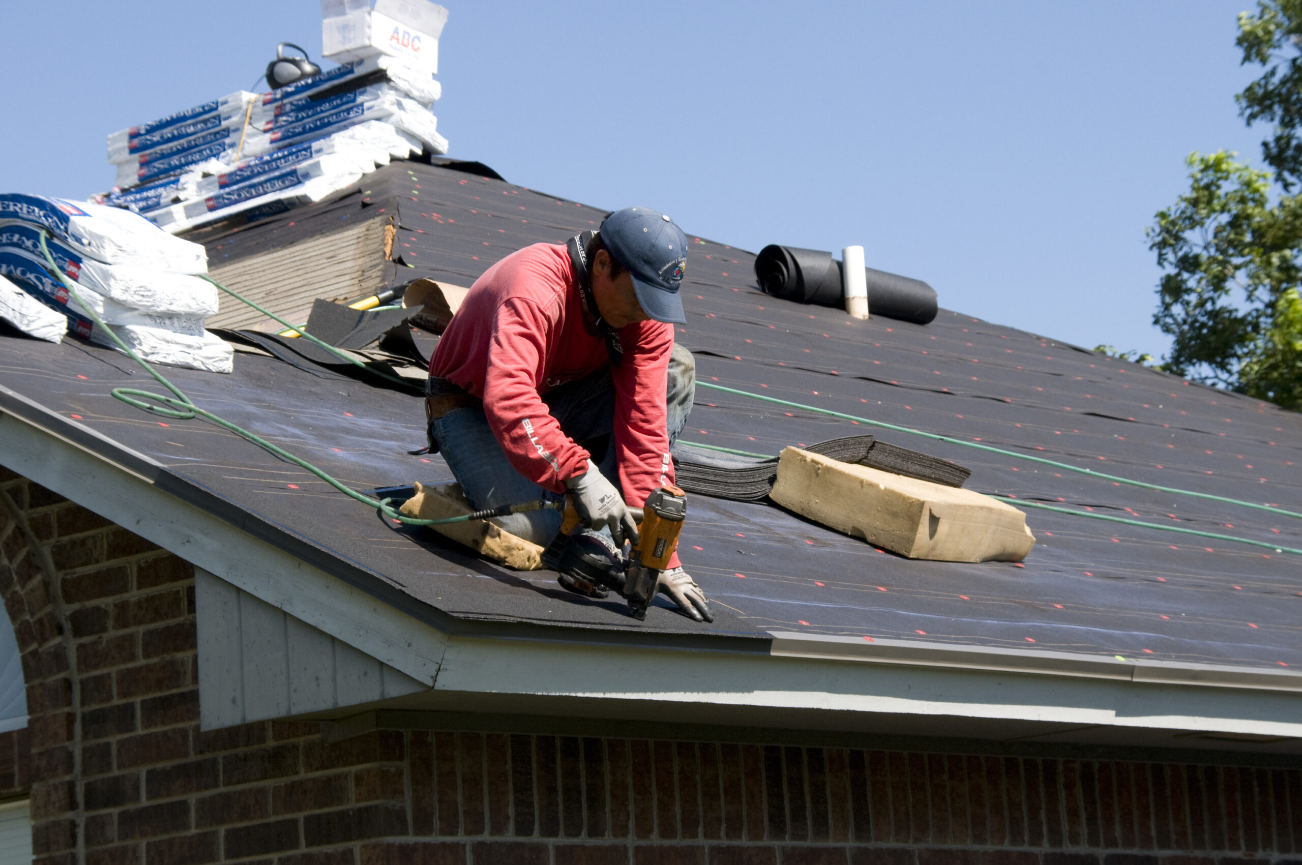 Get Your Roof Restored and Give Your House a Fresh Look!