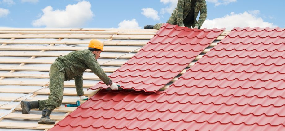 How to Select The Right Roof Repair Houston Company?