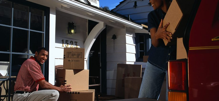 Make Sure You Get the Right Option with Furniture Removalist Services